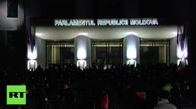 Rally in front of Moldova Parliament as protesters broke inside building